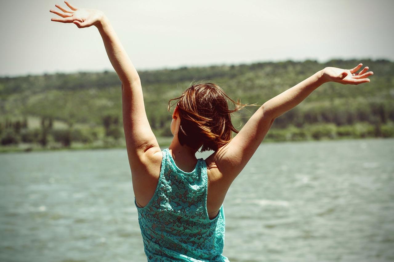 felicità-gioia-serentià-pace-yoga-ratna-ayurveda-sonia-manfra-ticino-lugano