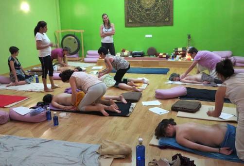 Corso certificato di Ayurvedic Yoga Massage